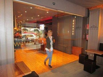 Puertas de Cristal SAP - Mantenimiento puertas de cristal automáticas en Hostelería - Sistemas Automáticos de Paso