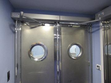 Puertas de Cristal SAP - Puerta Batiente Hospital de Begoña - Sistemas Automáticos de Paso