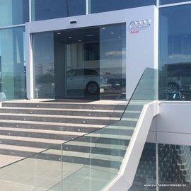 Puertas de Cristal SAP - Puerta de Cristal Automática Audi Leon - Sistemas Automáticos de Paso
