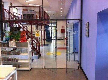 Puertas de Cristal SAP - Puerta batiente de cristal en Casa Cultura Pravia - Sistemas Automáticos de Paso
